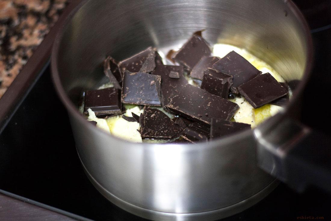 pastel-de-chocolate-con-fresas-22