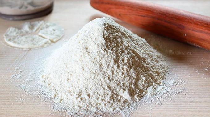 Para qué se usa la harina floja, la de fuerza  y la de repostería