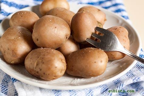 cómo cocer patatas con piel