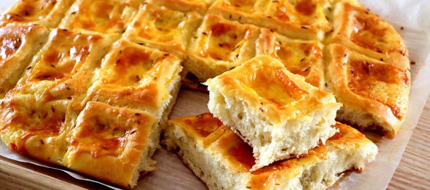 """Pan casero de queso """"Pogacha""""- ¡Muy blandito y esponjosos!"""