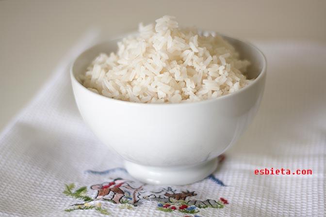 Receta de arroz blanco perfecto (como del «chino»). Paso a paso con fotos
