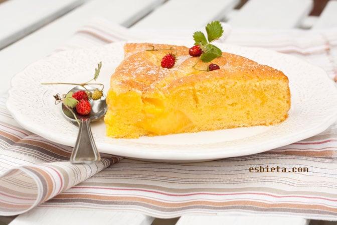 pastel de melocotón