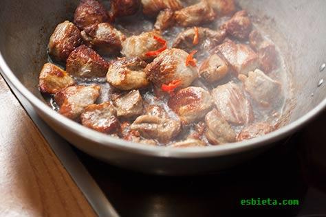 ojakhuri-carne-patatas-9