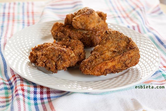 Pollo frito crujiente al estilo cajún