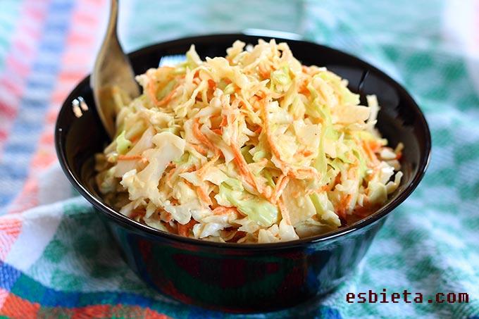 ensalada de repollo o coleslaw
