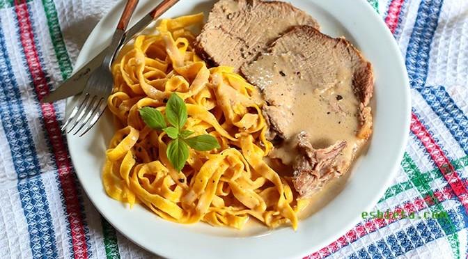 carne de cerdo en salsa