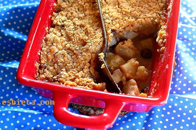 Crumble de pera y caramelo