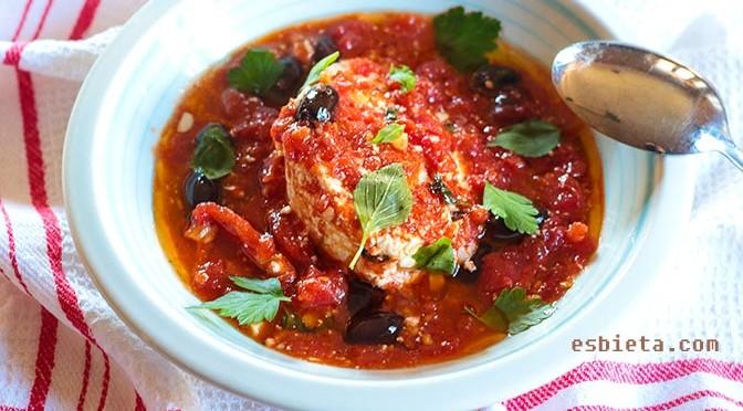 queso fresco en salsa de tomate