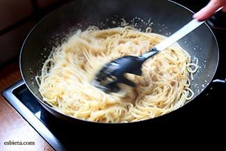 espaguetis-queso-pimienta-15