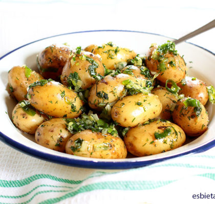 patatas nuevas con sofrito verde