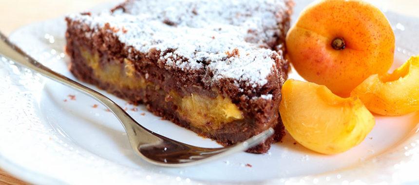 Tarta de chocolate y albaricoque