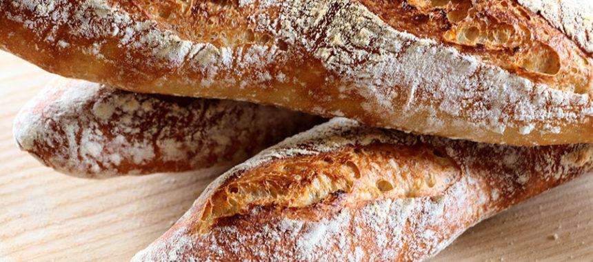 Pan baguette casero ¡Sin amasar!