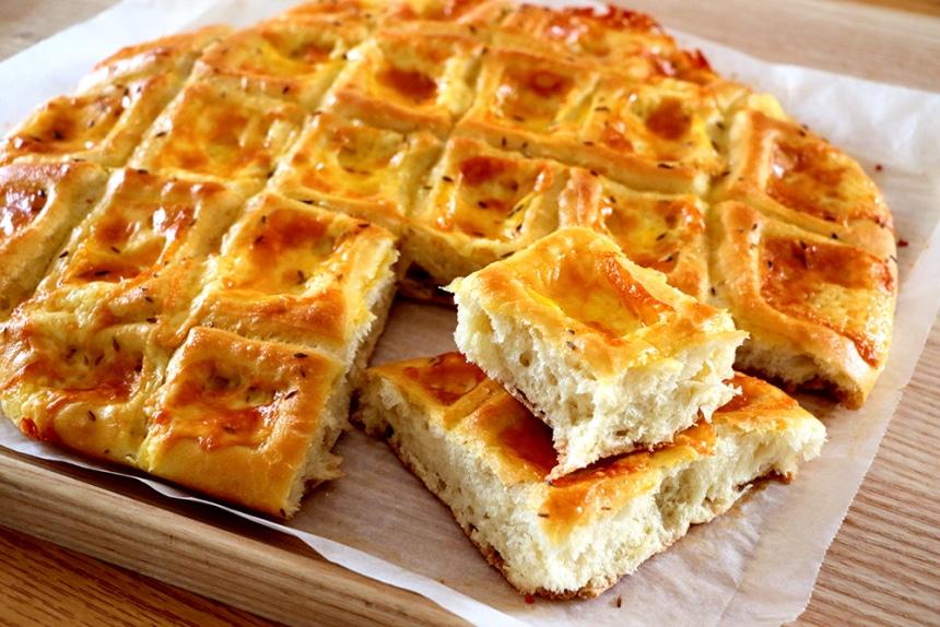 pan casero de queso pogacha
