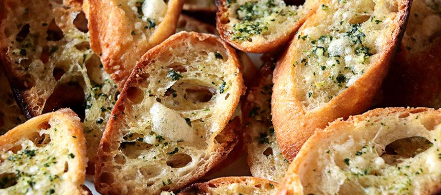 Pan de ajo italiano verdadero – Crostini all'aglio