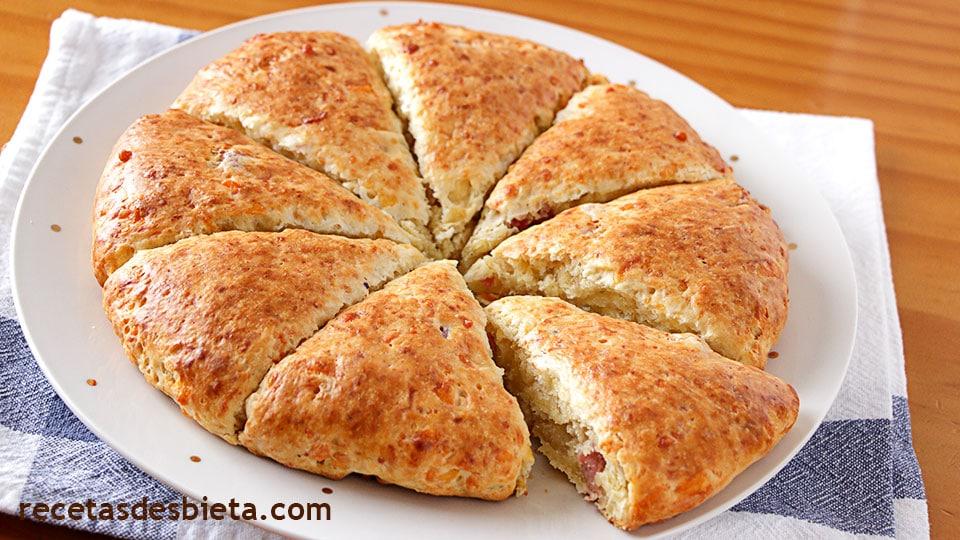 scones o panecillos de queso