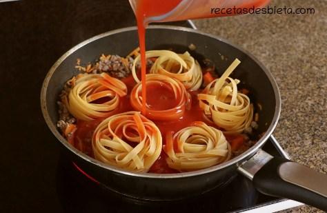 pasta con salsa de carne